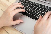 ordinateur mains clavier Université Paris 2 Panthéon Assa